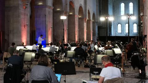 hr-Sinfonieorchester probt in der Basilika des Klosters Eberbach