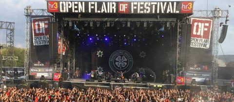Bühne und Publikum beim Open Flair in Eschwege