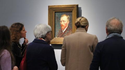 """Besucher bei der Ausstellung """"Making van Gogh"""""""