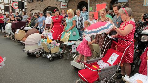 Kinderwagenparade beim Golden Oldies Festival in Wettenberg.