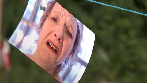 Jammer-Gesicht zum Jammermobil