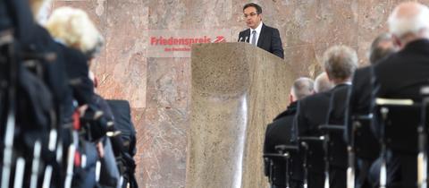 Navid Kermani in der Frankfurter Paulskirche