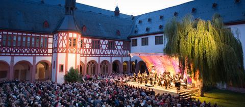 Kreuzgang Kloster Eberbach beim Festival