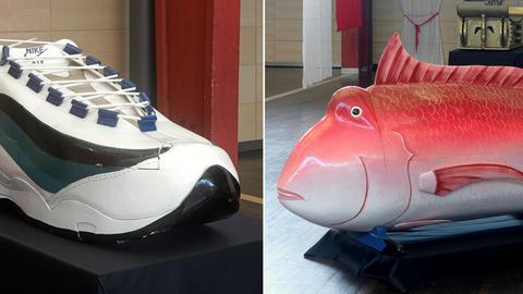 Bildkombo: Särge aus Ghana, Nike-Sneaker, Fisch