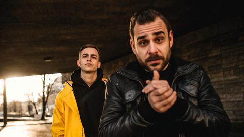 Die beiden Brüder und Rapper Mädness (rechts) und Döll (links)