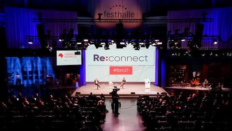 Buchmesse-Eröffnungs-Pressekonferenz in der Frankfurter Festhalle