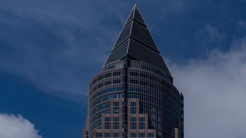 Der an den Wolken kratzt: Der Messeturm in Frankfurt