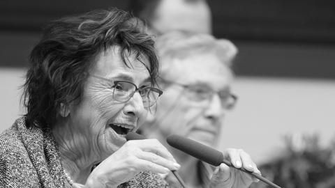 Mirjam Pressler bei der Entgegennahme des Leipziger Übersetzerpreises 2015