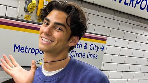 Model Jacob Rott: dunkelhaariger junger Mann