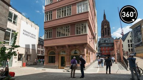 Die neue Frankfurter Altstadt ist eröffnet. Auf einer Fläche von sieben Hektar hat die Stadt rund um den Krönungsweg insgesamt 15 Häuser rekonstruiert.