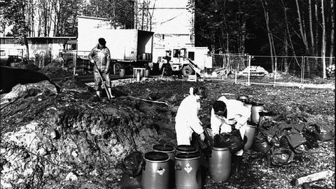 Rund 600 Kilo sprengfähiges Material transportierten 1995 Arbeiter vom Gelände der ehemaligen Munitionsfabrik.