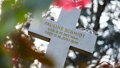 Das Grab von Hoffmanns Paulinchen, bekannt aus dem Struwwelpeter.