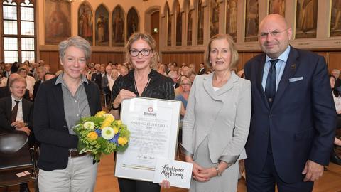 Dem Frankfurter Kunstverein wird der Binding-Kulturpreis verliehen.