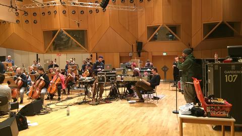 Rapper vor Orchester: Samy Deluxe probt mit dem hr-Sinfonieorchester