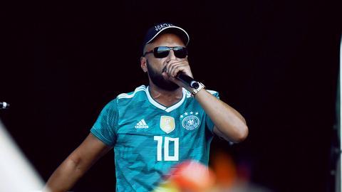 Frankfurter Rapper Hanybal auf der Bühne beim Helene Beach Festival im Juli 2018.