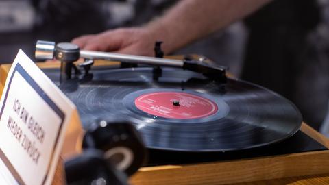 Schallplatte auf einem Schallplattenspieler