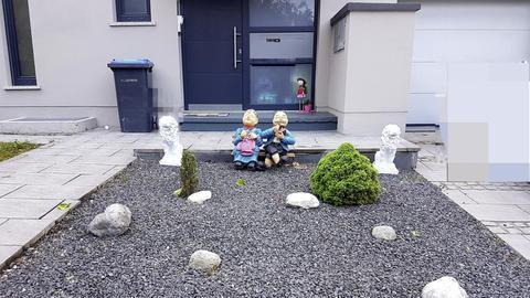 Haus mit Schottervorgarten