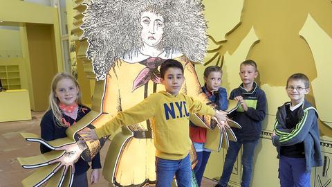 Viertklässler der Frankfurter Kirchnerschule im Foyer des Struwwelpeter-Museums