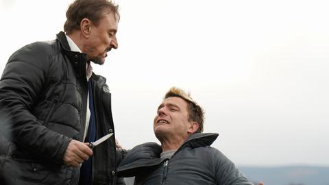 Echte Gangster unter sich: Feinkosthändler Guy (Werner Daehn) streitet mit seinem Bruder Rick (Friedrich Mücke)