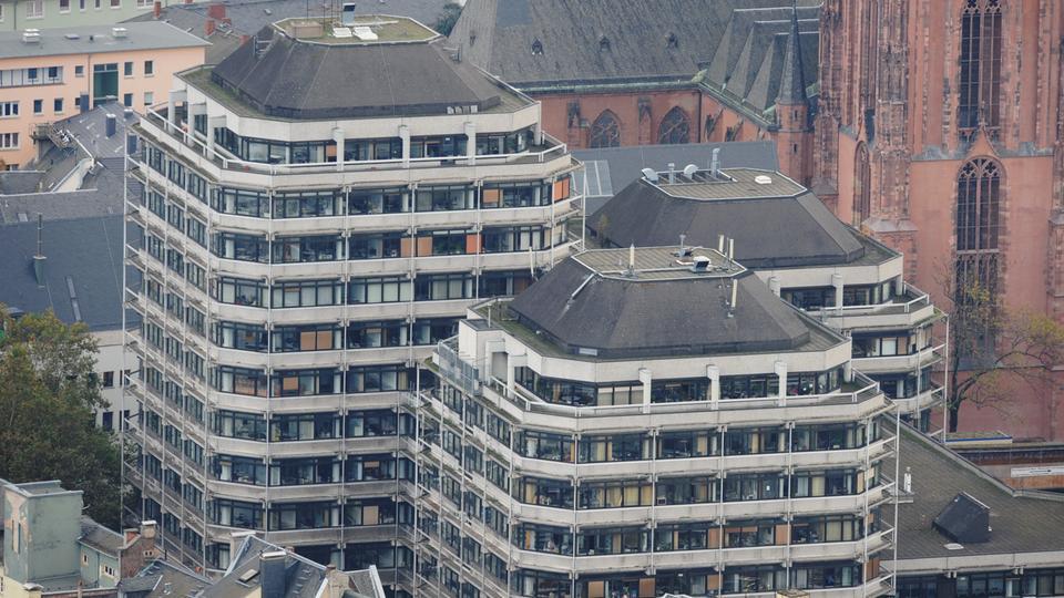 Brutalismus ausstellung architekturmuseum zeigt herz f r for Frankfurt architekturmuseum