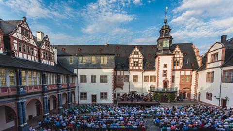 Konzert im Hof des Renaissance-Schlosses Weilburg.