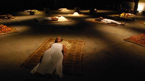 Ayrson Heraclito, Bori (Speiseopfer für die Götter), 2009, Performance und Installation, Belo Horizonte