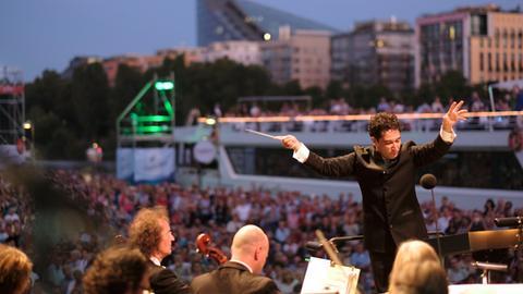 Zuschauer beim Open Air des hr-Sinfonieorchesters