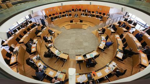 Landtagssitzung in der Pandemie mit größeren Abständen