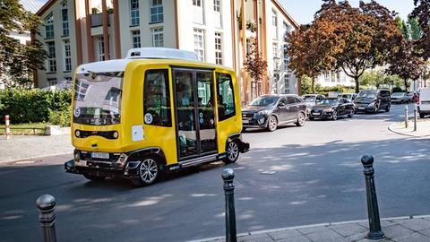 Ein autonom fahrender Bus