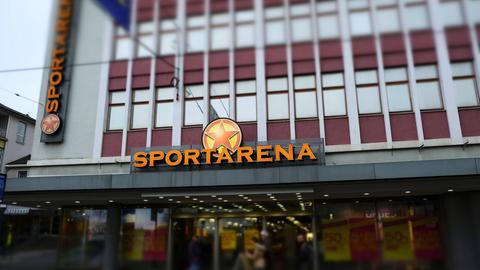 Das Sportarena-Kaufhaus in Kassel steht derzeit leer.