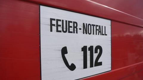 """Schild mit """"112"""""""