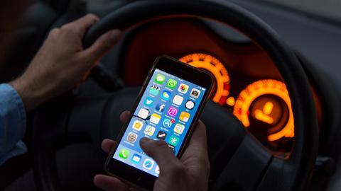 Ein Auto leasen zum Handy-Vertrag?
