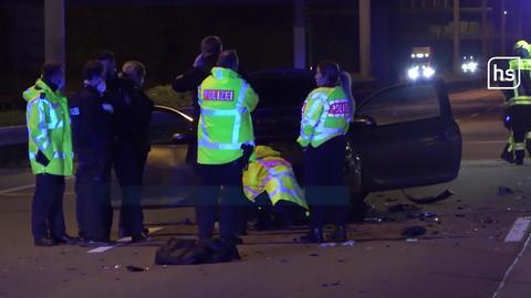 Polizei führt Gaffer zu abgedeckter Leiche