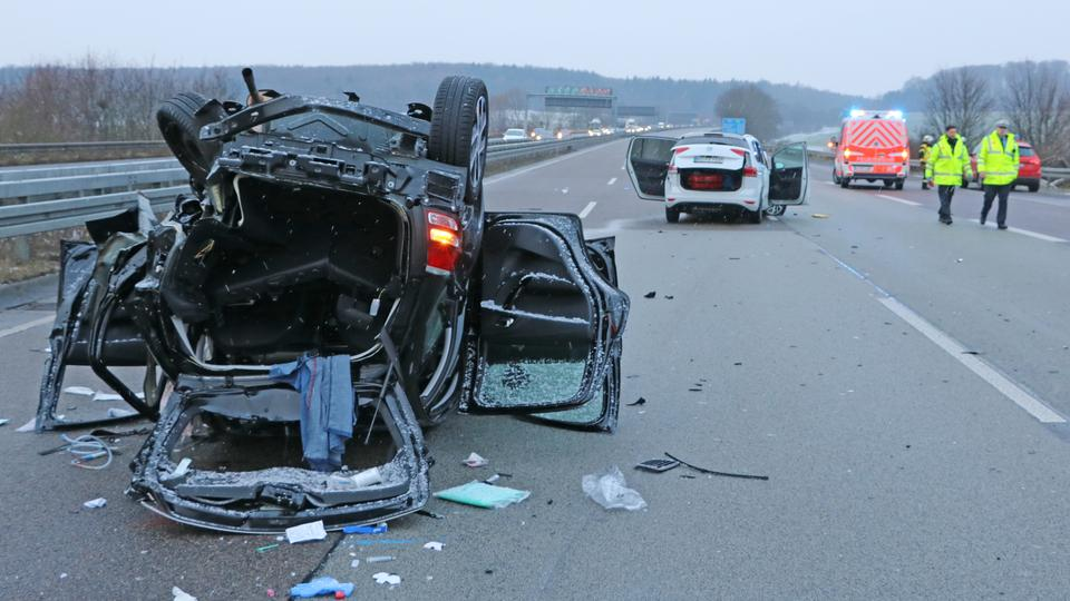 Zwei Tote bei Verkehrsunfall auf A45 | hessenschau.de | Panorama