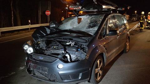 Demoliertes Auto auf der A7