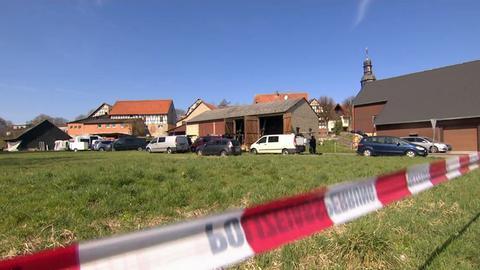 Auf diesem Hof in Alsfeld gab es eine Waffen- und Drogenrazzia