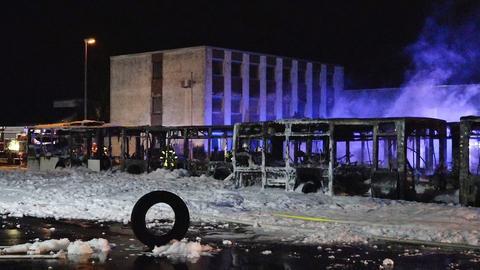 Ausgebrannte Busse in Riedstadt