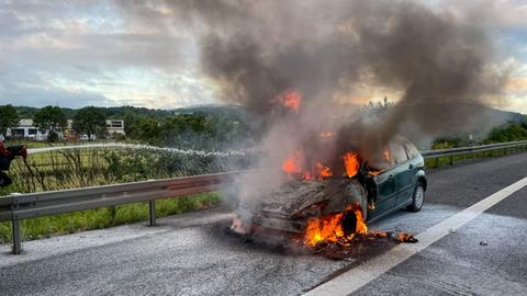 Brennendes Auto auf A66 bei Langenselbold