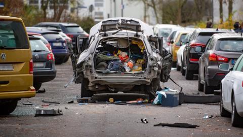 Das Auto nach der Explosion in Fulda