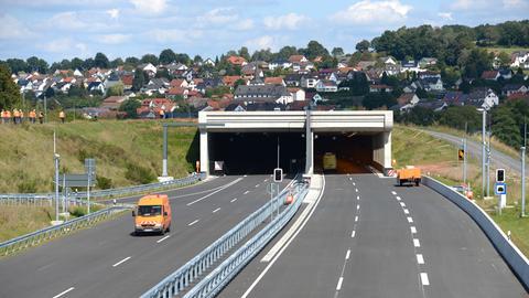 Der Autobahntunnel bei Neuhof.