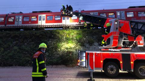 In Frankfurt-Eschersheim ist eine Bahn entgleist.