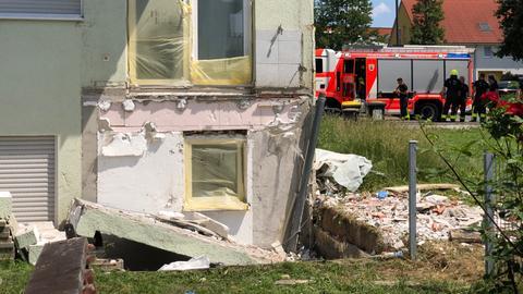 Dieser Balkon stürzte am Samstag in Frankfurt-Preungesheim ab.