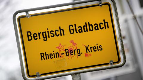 Im Missbrauchsfall von Bergisch Gladbach gibt es bundesweit Verdächtige.