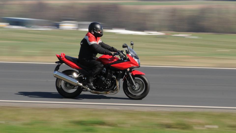 Motorradfahrer im Taunus