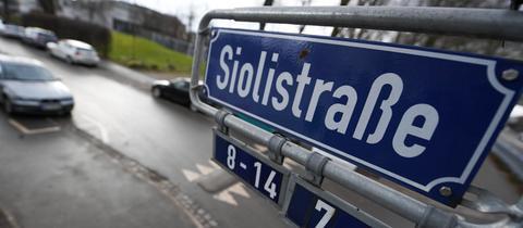 Nach mehreren sexuellen Übergriffen in dieser Straße in Frankfurt haben die Ermittler einen Mann festgenommen.