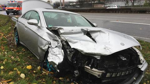 Zwei Autofahrer bei Unfall schwer verletzt