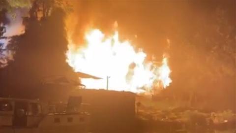 """Augenzeugen-Video zum Brand im """"Blauen Wasser"""""""