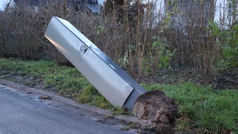 Traktor-Fahrer demoliert sechs Blitzer in hessischer Kleinstadt