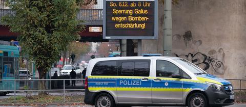 Sperrungen vor der Entschärfung einer Weltkriegsbombe in Frankfurt