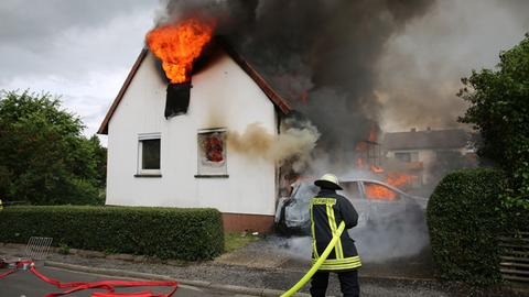Haus in Alsfeld steht in Flammen